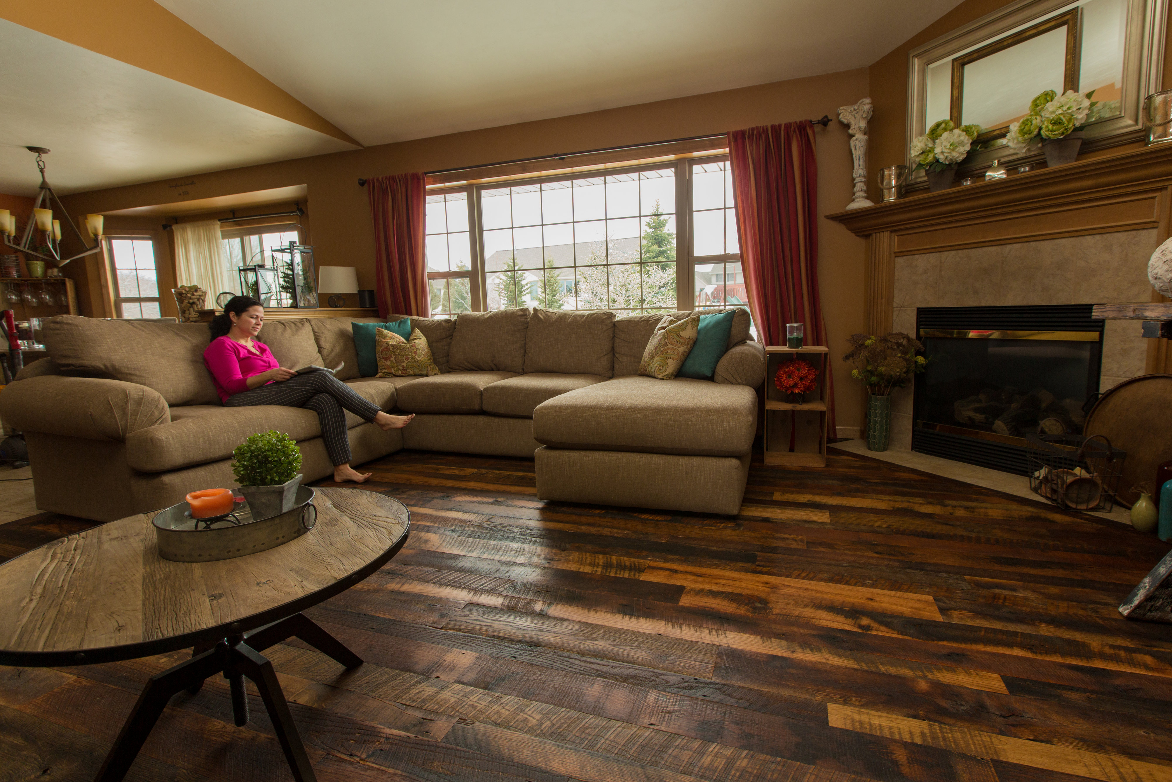 All you need is a vision for your hardwood floors, and we'll turn it into a reality.