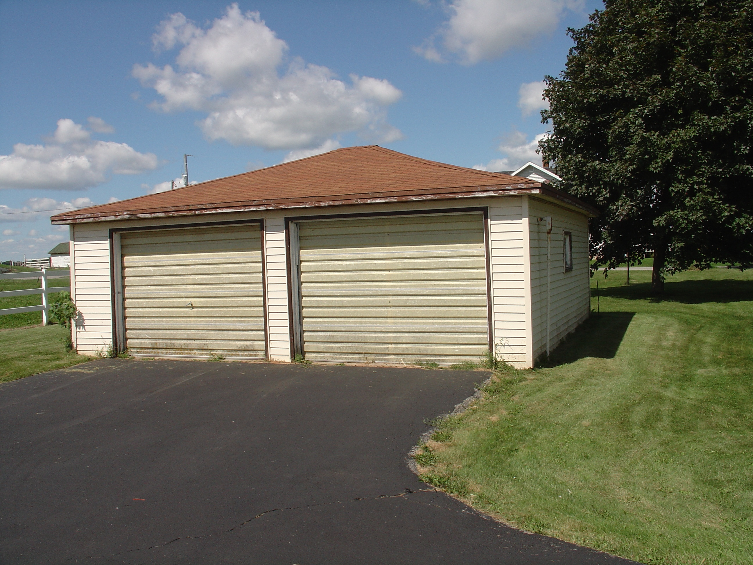 hardwood-floor-garage-original-location.jpg